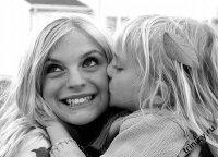 мама с дочкой